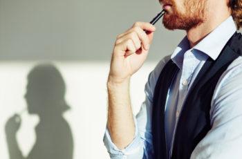 Afinal, ser qualificado demais também atrapalha a carreira?